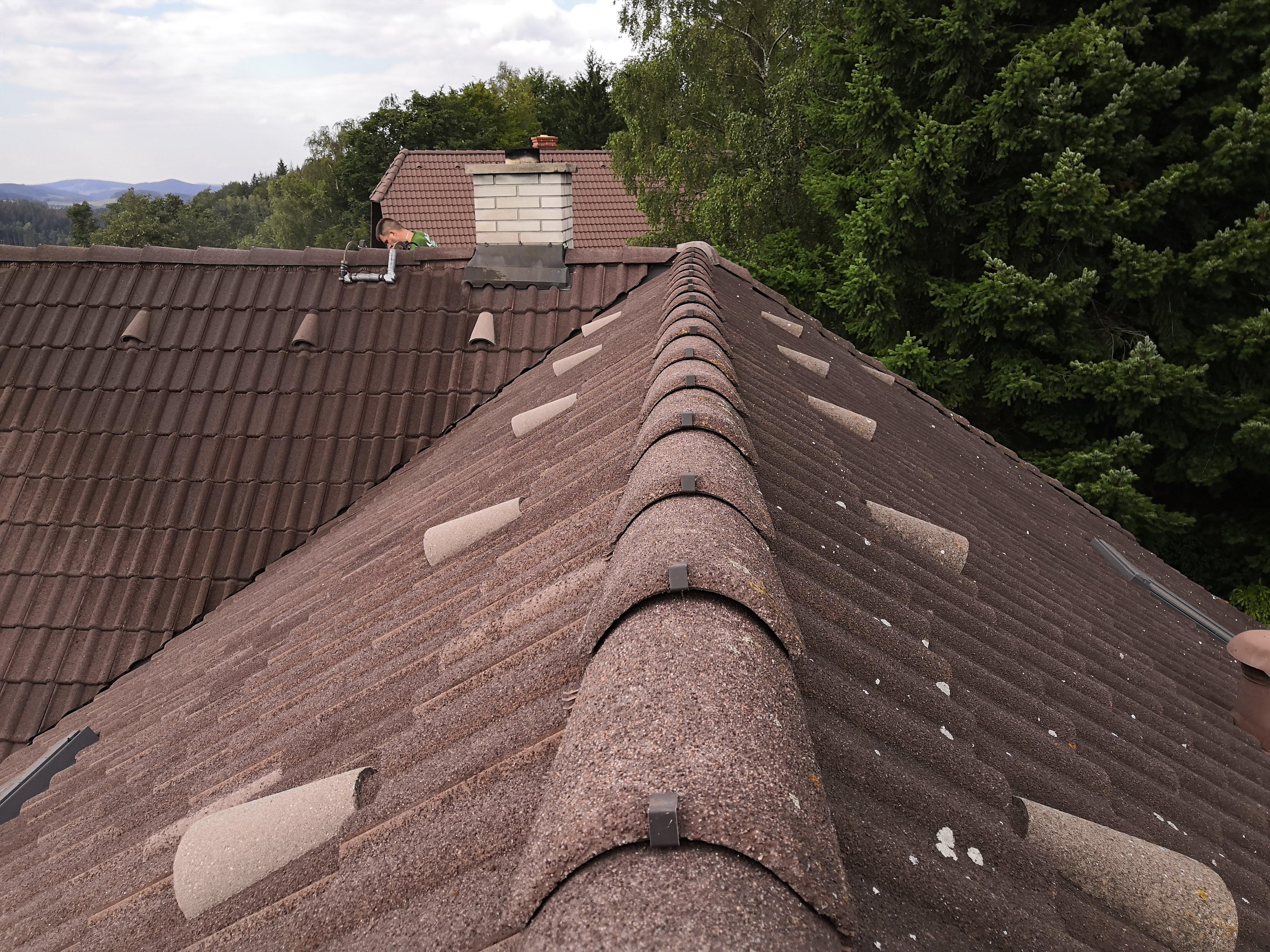 Čištění střechy vysokotlakým čističem